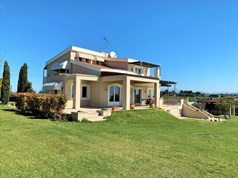 Detached house 350 m² in the suburbs of Thessaloniki
