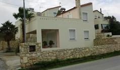 بيت صغير 170 m² في جزيرة كريت