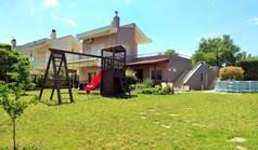 Kuća 140 m² u predgrađu Soluna