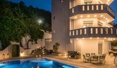 ویلا 397 m² در کرت