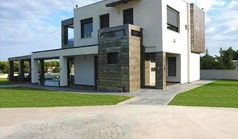 კოტეჯი 270 m² კასანდრაზე (ქალკიდიკი)