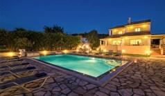 Villa 220 m² in Corfu