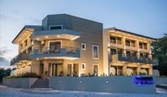 酒店 478 m² 位于新马尔马拉斯(哈尔基季基州)