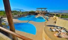 Hotel 1000 m² in Crete