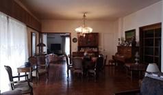 Stan 200 m² u Atini