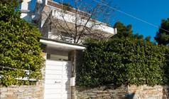 բիզնես 680 m² Աթենքում