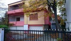 Kuća 348 m² u predgrađu Soluna