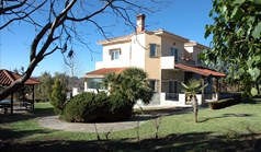 Villa 285 m² in the suburbs of Thessaloniki