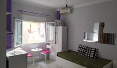 公寓 20 m² 位于塞萨洛尼基