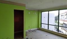 عمل 80 m² في  تسالونيكي