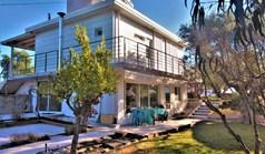 独立式住宅 100 m² 位于新马尔马拉斯(哈尔基季基州)