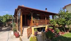 独立式住宅 90 m² 位于新马尔马拉斯(哈尔基季基州)