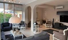 独立式住宅 268 m² 位于阿提卡