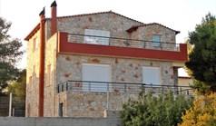 复式住宅 143 m² 位于优卑亚岛