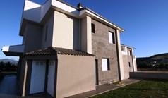 Kuća 175 m² u predgrađu Soluna