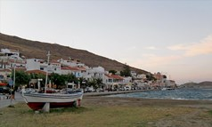 Land 1286 m² in Cyclades