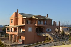 Detached house 430 m² in Corfu