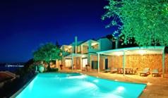 Villa 250 m² in Corfu