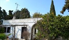独立式住宅 80 m² 位于哈尔基季基州