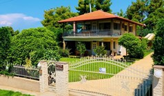 Detached house 185 m² in Chalkidiki